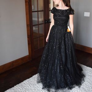 Sherri Hill 52365 NWT ball gown black size 2